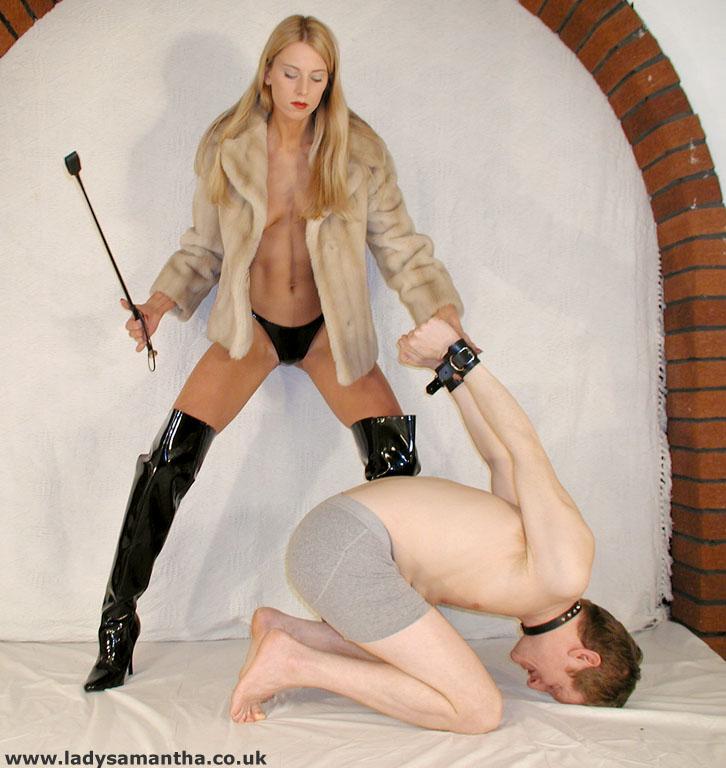 Intercourse in her anus