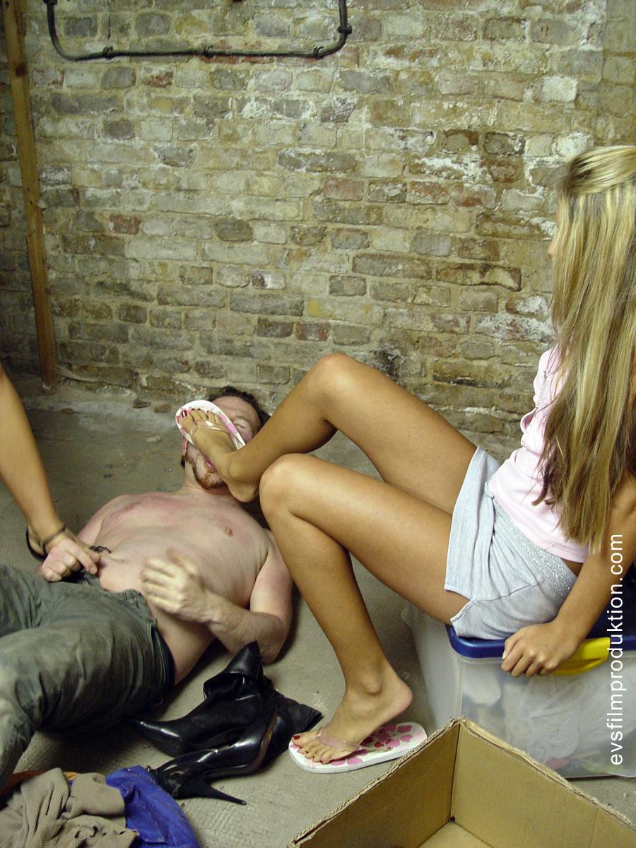 Slave girl worship feet wife bondage 4
