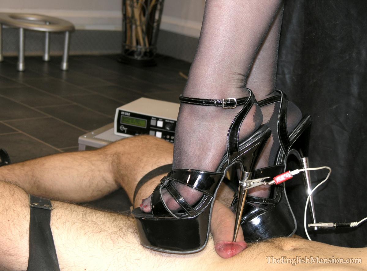city sauna bdsm heels