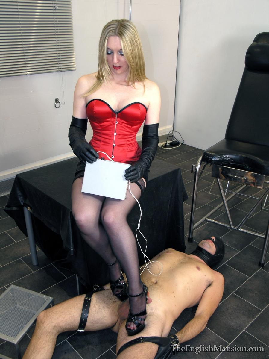 госпожа порет своего раба скользит рука